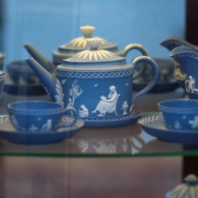 Чайный сервиз дежене (для завтрака). Англия, Wedgwood (Веджвуд). Конец XVIII в. Яшмовая масса (джаспер).