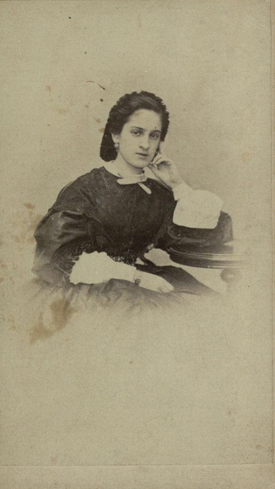 О.А. Боратынская, невестка поэта Евгения Боратынского. Фотография. 1864-1865